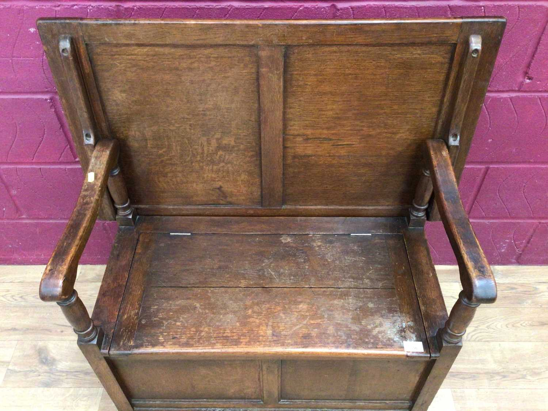 Oak monks bench - Image 4 of 5