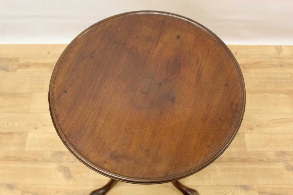 George III mahogany tripod wine table, with circular top on turned and shaped column and three splay - Image 2 of 6