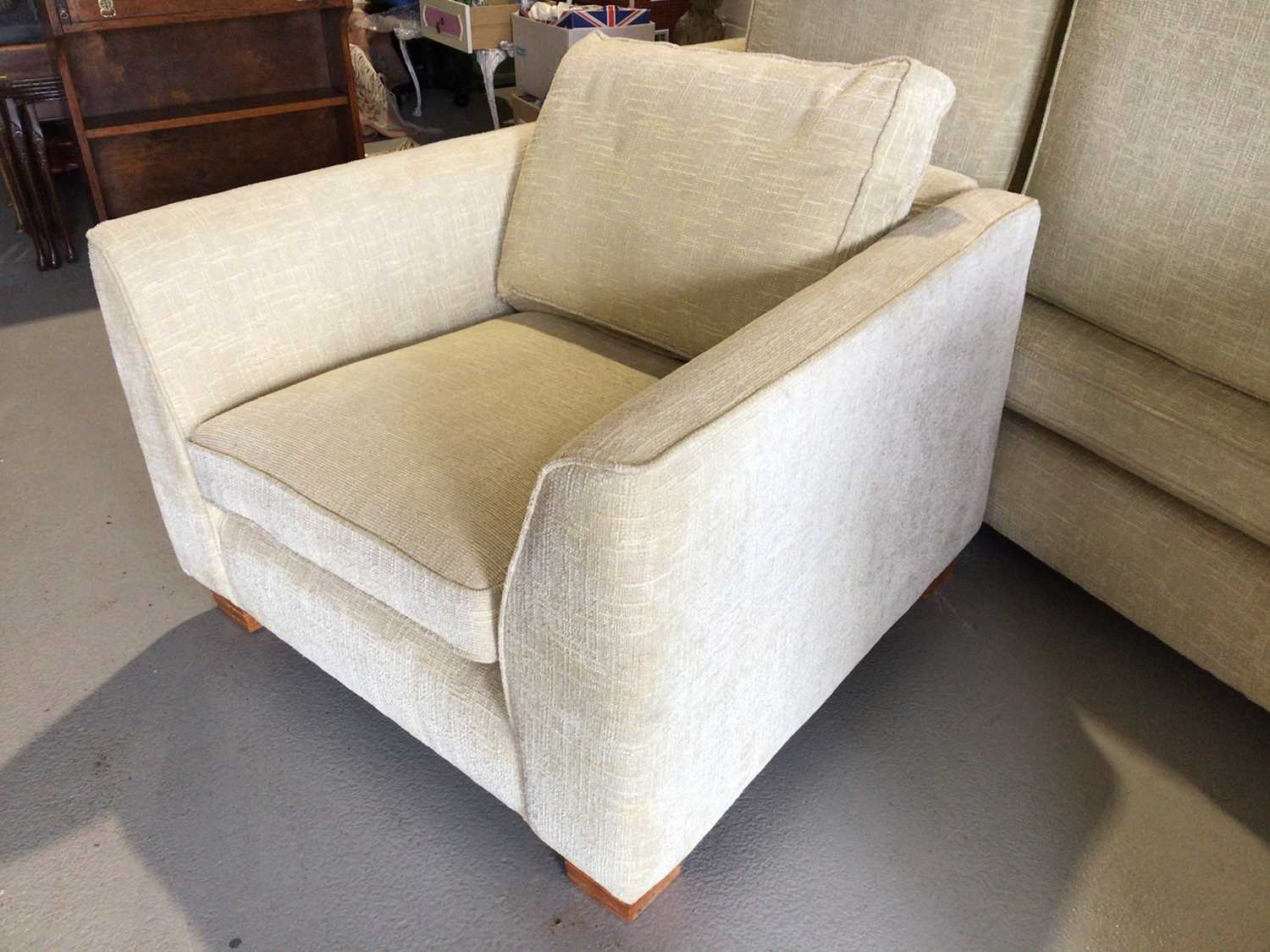 Contemporary three piece suite with pale yellow upholstery comprising a pair of two seater settees 2 - Image 9 of 13