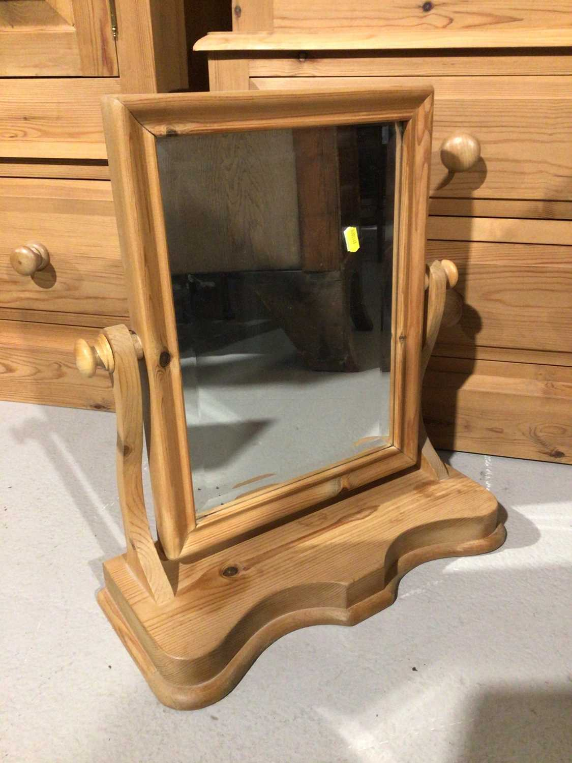 Pair of pine three drawer bedside chests and a pine dressing table mirror (3) - Image 5 of 8