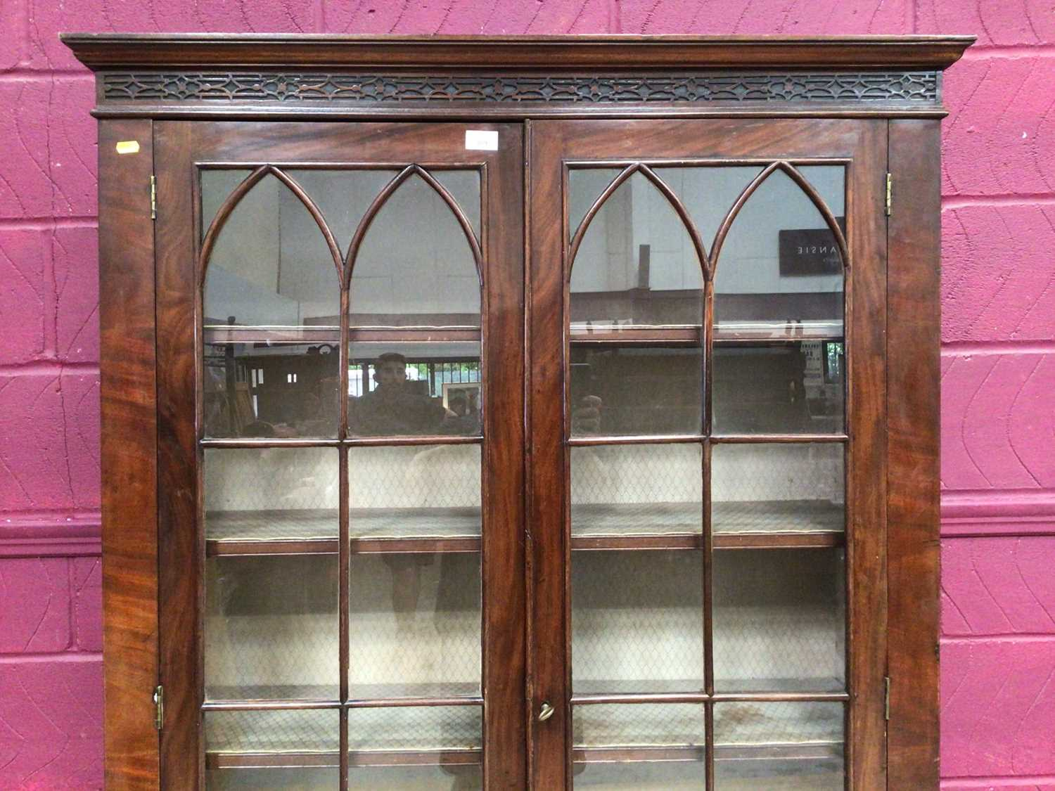 Edwardian mahogany bookcase with shelved interior enclosed by two glazed doors with drawer below on - Image 4 of 7