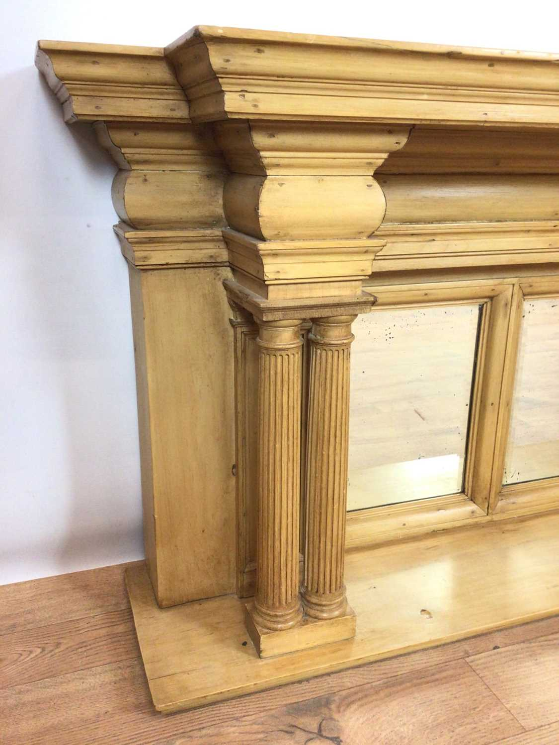 Classical style pine shelf - Image 3 of 6