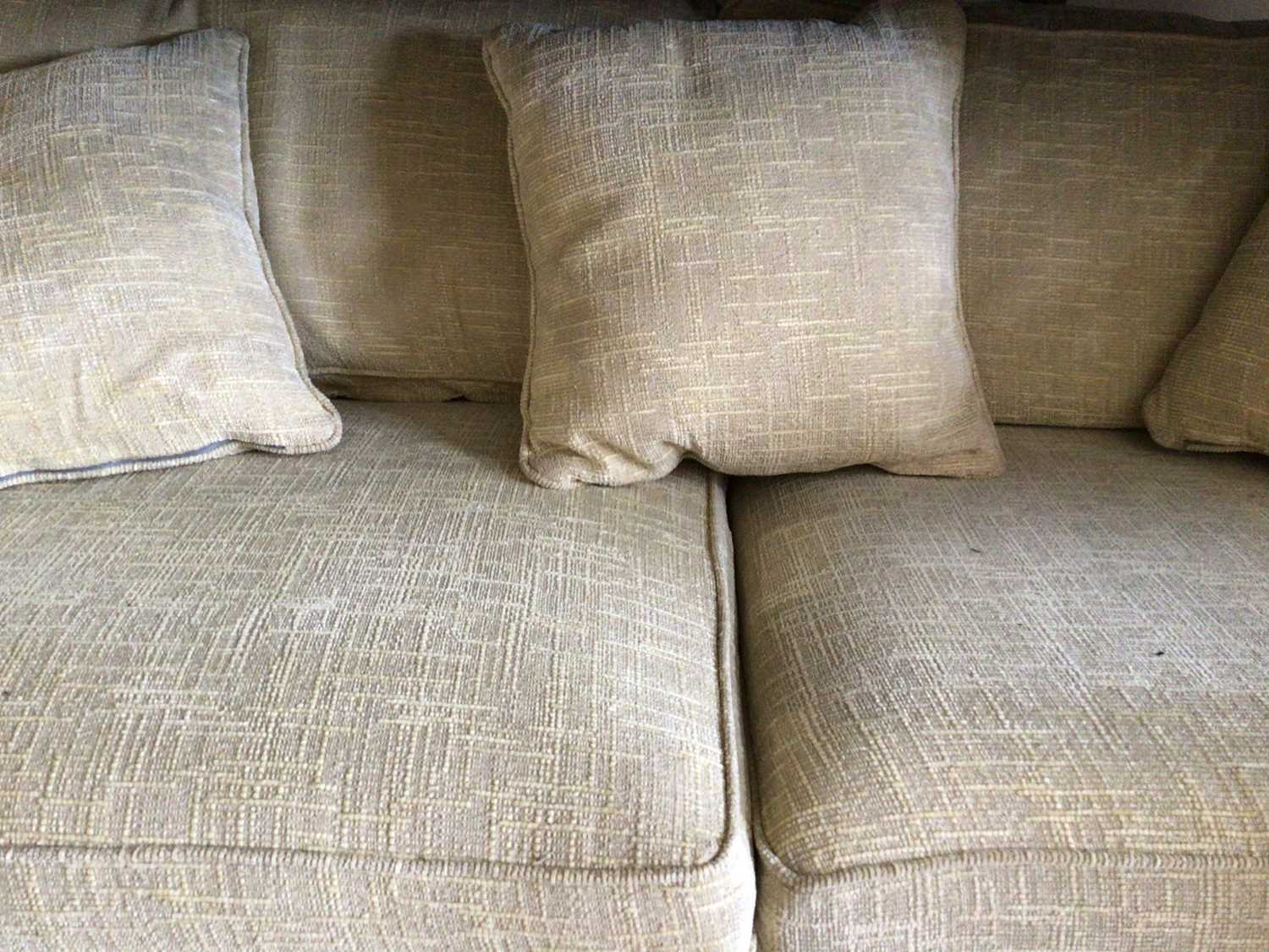 Contemporary three piece suite with pale yellow upholstery comprising a pair of two seater settees 2 - Image 3 of 13