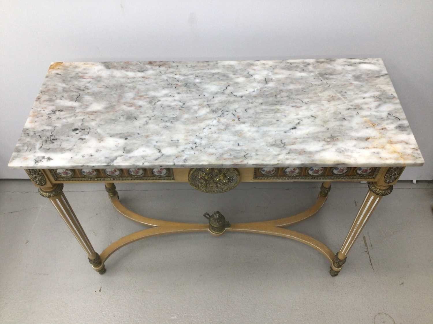 Antique style hall table with marble top, frieze inset with porcelain plaques on fluted turned legs - Image 2 of 7