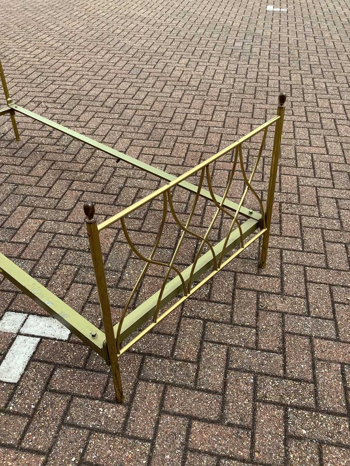 Brass single bed with side irons, 89cm wide - Image 4 of 11