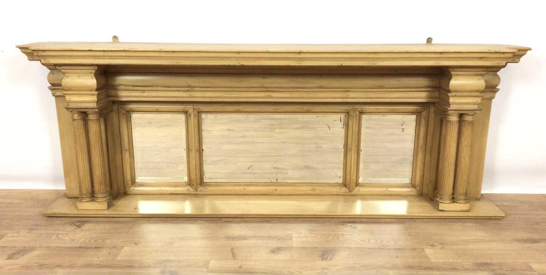 Classical style pine shelf
