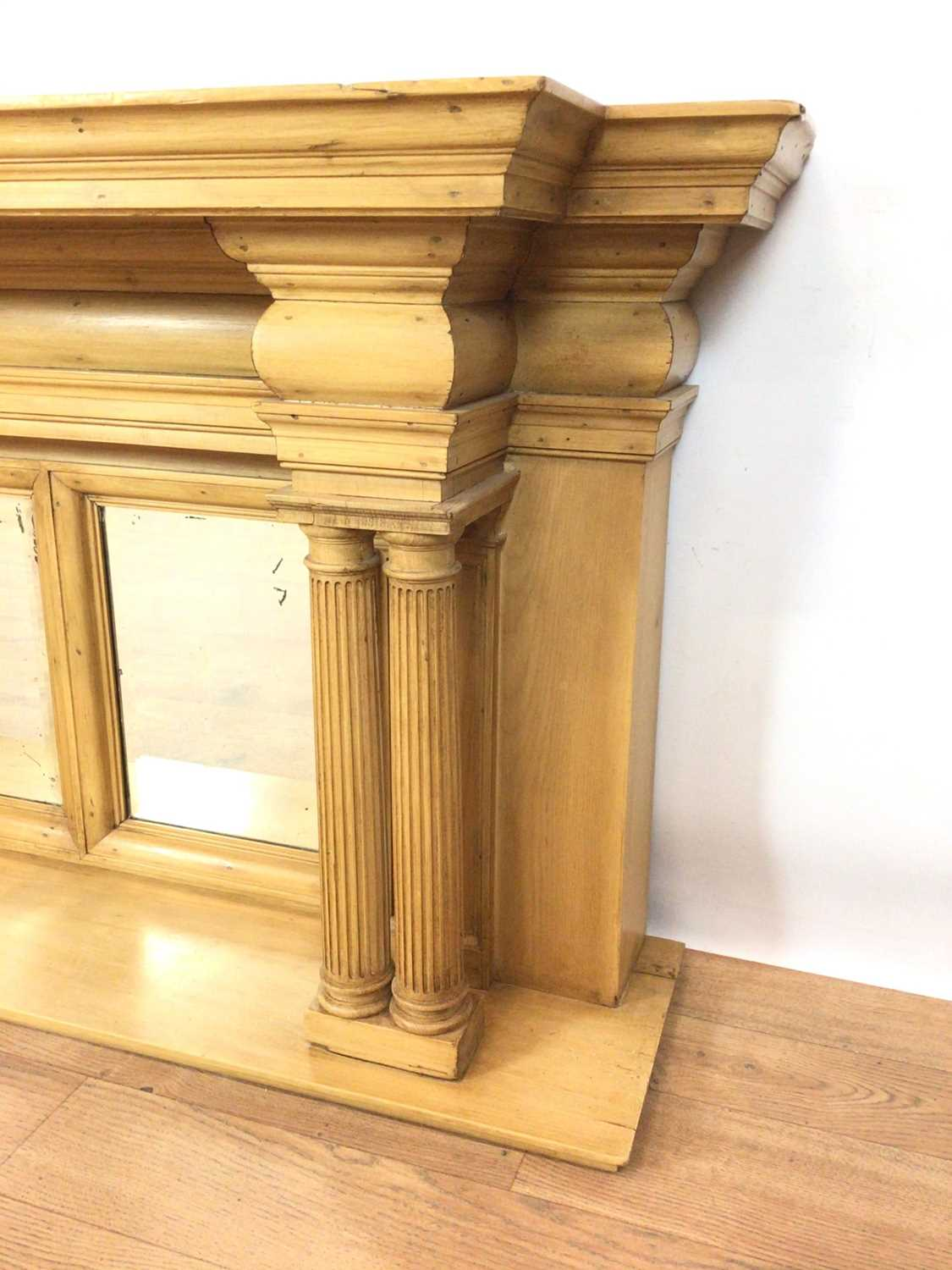 Classical style pine shelf - Image 2 of 6