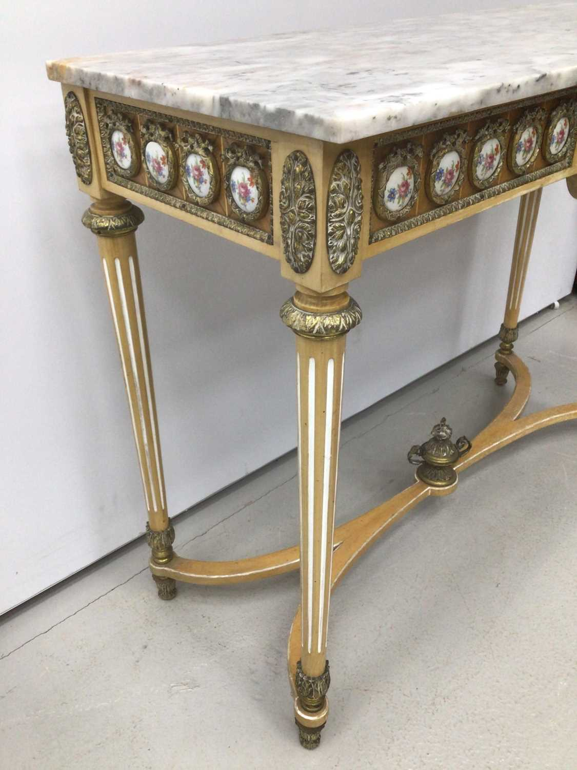 Antique style hall table with marble top, frieze inset with porcelain plaques on fluted turned legs - Image 3 of 7