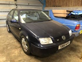 1999 Volkswagen Bora Saloon, 2.3 V5, manual, Reg. No. T860 KPV MOT, finished in blue with cloth inte