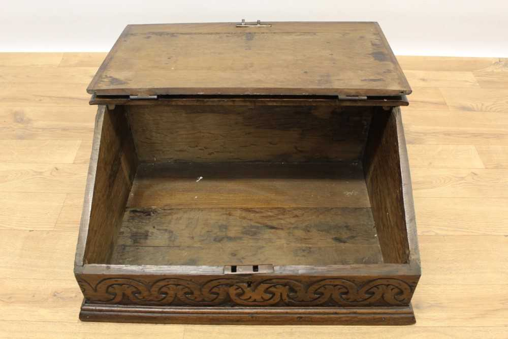 Late 17th century carved oak bible box - Image 4 of 5