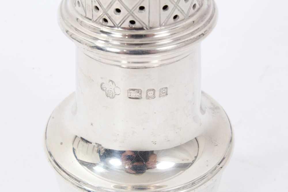 Four various silver castors - Image 15 of 16