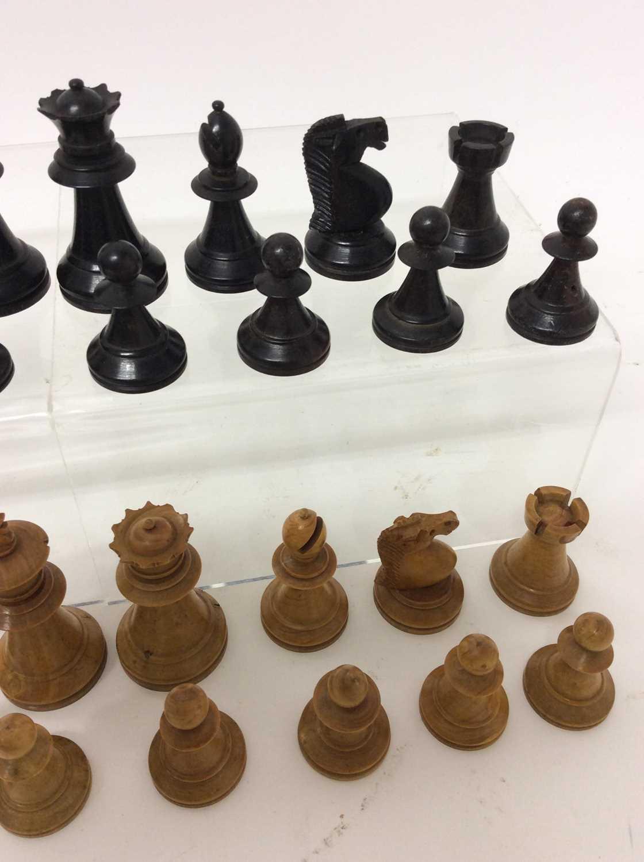 19th century boxwood and ebony chess set in mahogany box - Image 3 of 5