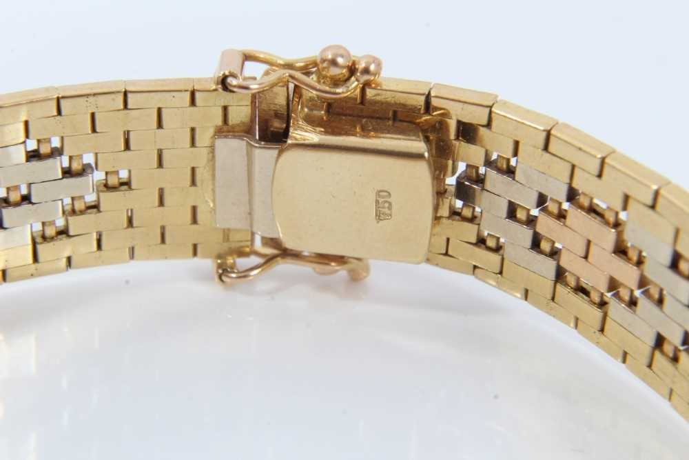 Three-colour 18ct gold bracelet with articulated fancy links - Image 3 of 4