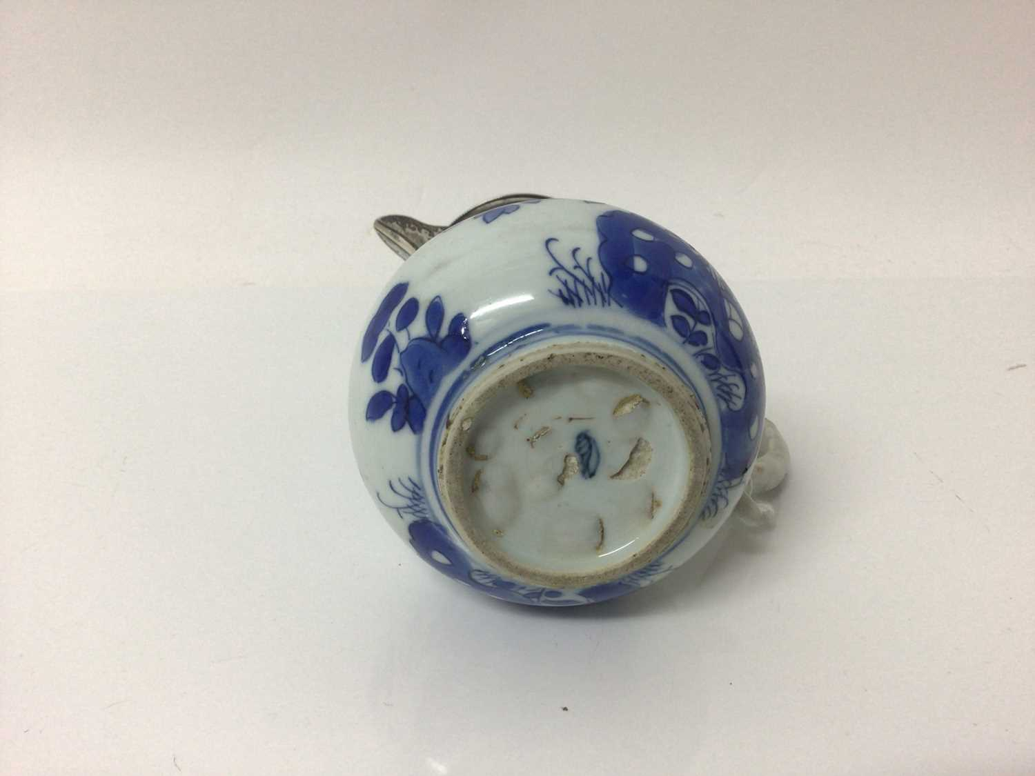 Chinese Kangxi porcelain jug and cover with later silver mount, together with a bowl (2) - Image 13 of 16