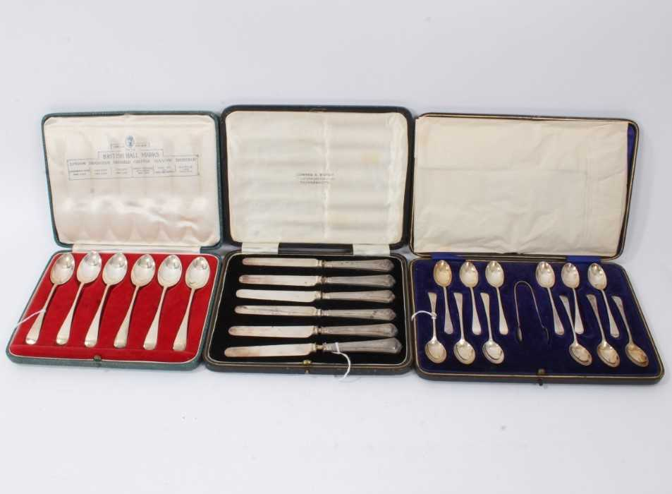 Cased set silver coffee spoons, together with similar teaspoons and tea knives