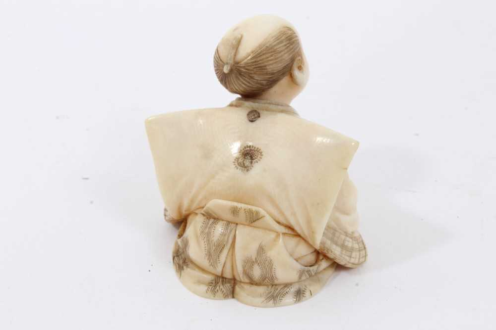 Fine quality late 19th / early 20th century Japanese carved ivory figure of a kneeling child, inset - Image 7 of 9