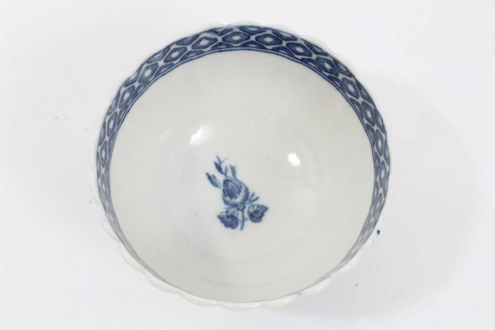 Caughley tea bowl and saucer, circa 1780, of fluted form, printed in blue with the 'Apple' pattern, - Image 7 of 8