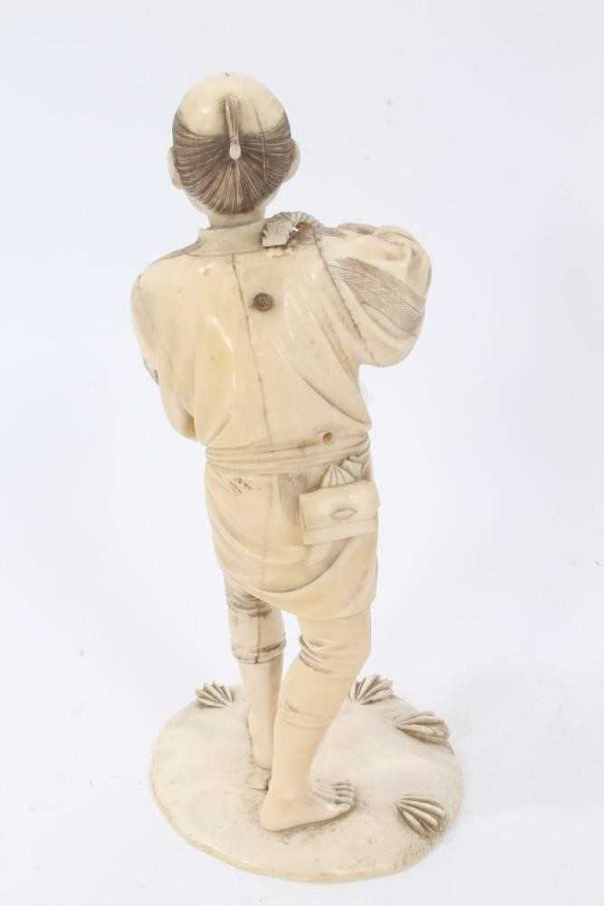 Fine quality late 19th / early 20th century Japanese carved ivory figure of a kneeling child, inset - Image 4 of 9
