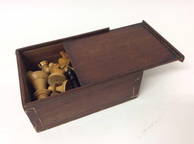 19th century boxwood and ebony chess set in mahogany box - Image 4 of 5