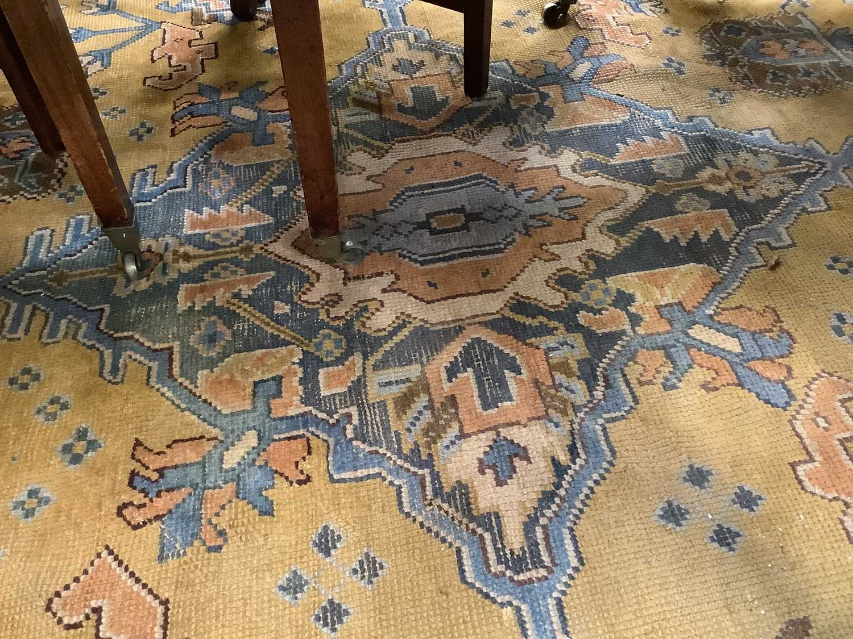 Vintage Maples carpet - Image 6 of 6