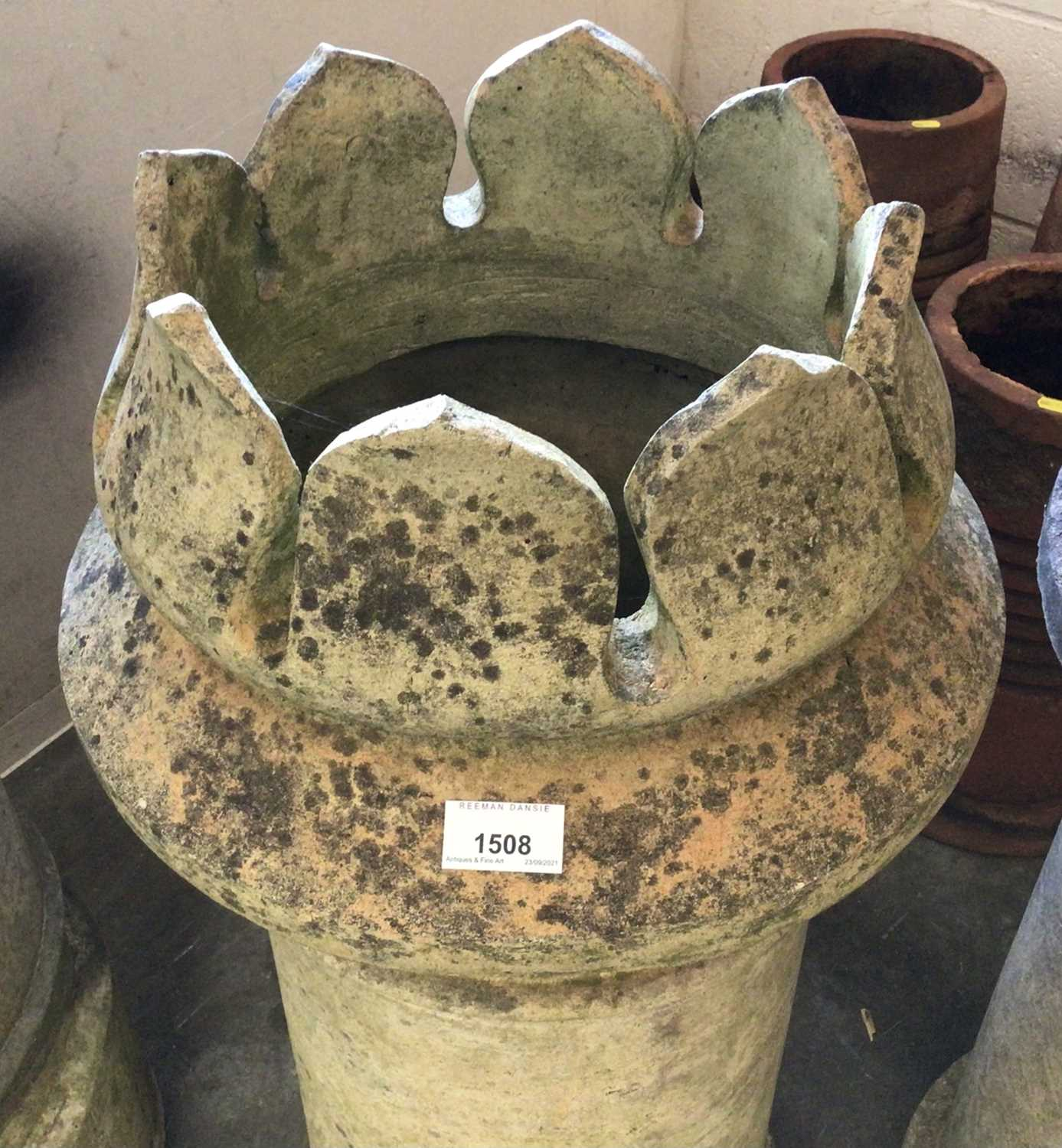 Pair of Victorian chimney pots - Image 2 of 5