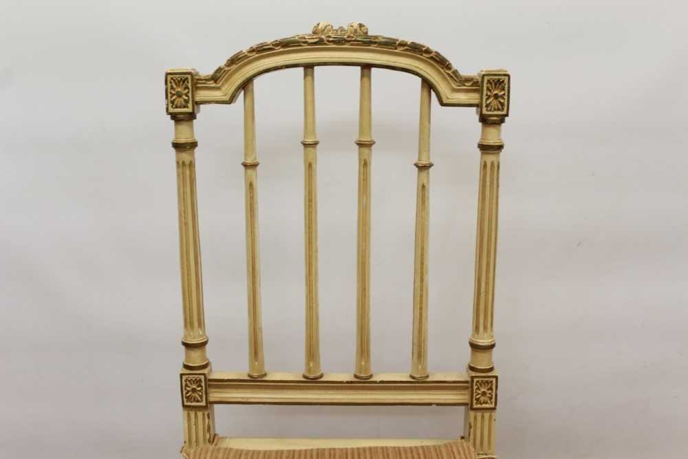 Late 19th / early 20th century French cream painted bergère suite - Image 8 of 16