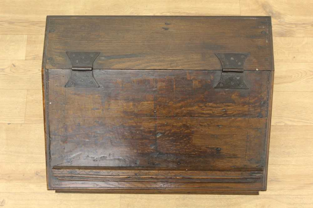 Late 17th century carved oak bible box - Image 3 of 5