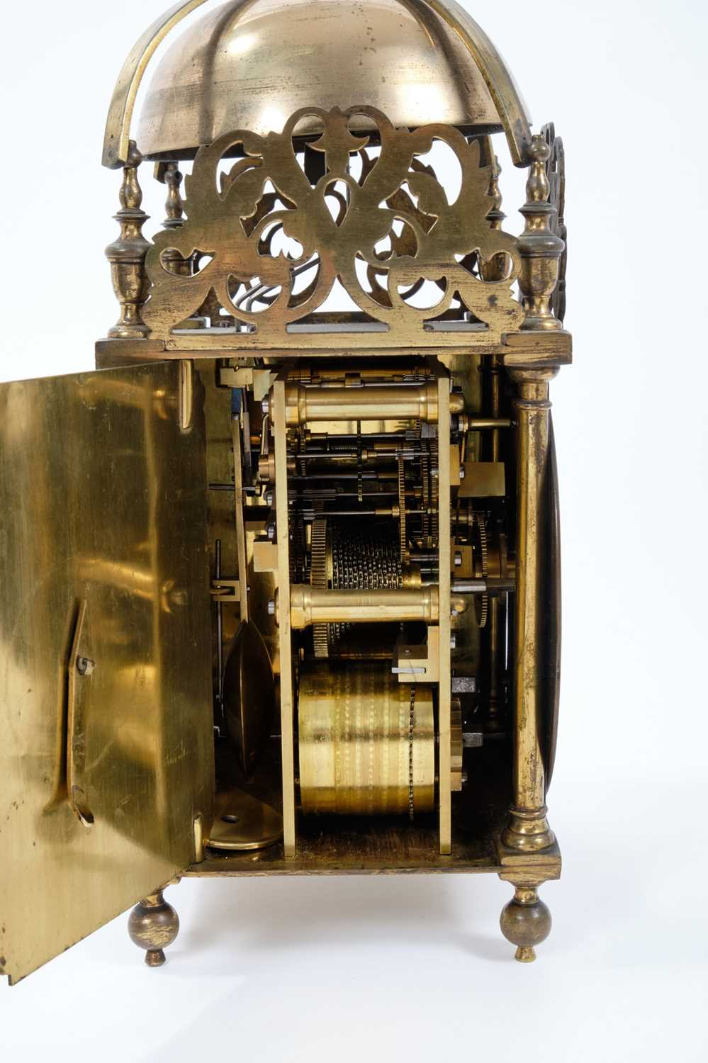 Good quality brass lantern clock Provenance: Removed from Argyll House, Kings Road, London - Image 3 of 3