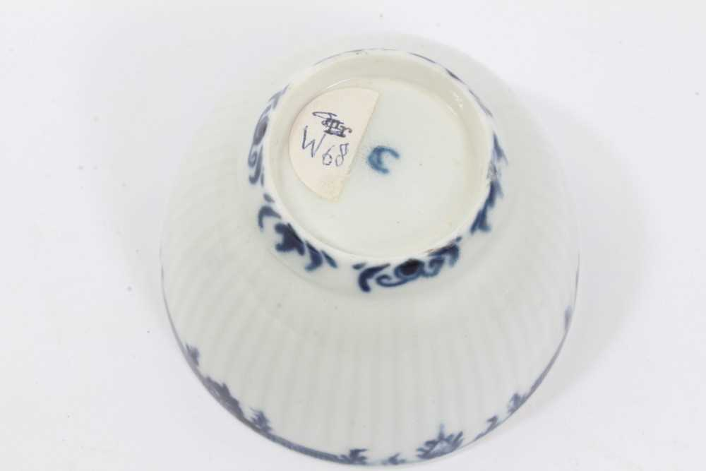 Worcester blue and white fluted tea bowl and saucer, circa 1760, decorated with patterned borders, t - Image 5 of 5