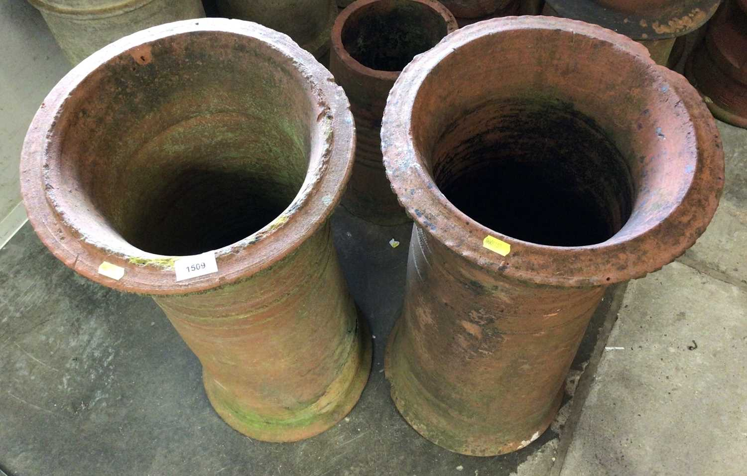 Pair of terracotta chimney pots - Image 2 of 6