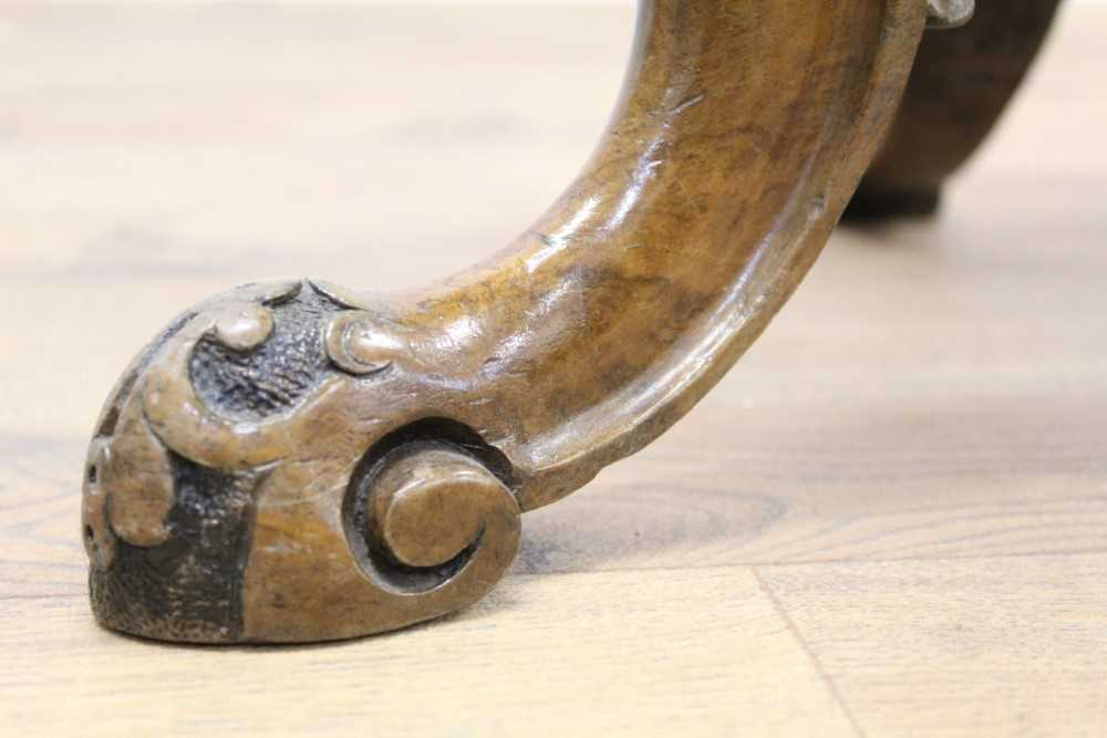 Victorian carved walnut piano stool with circular revolving seat on carved and turned bulbous suppor - Image 4 of 6