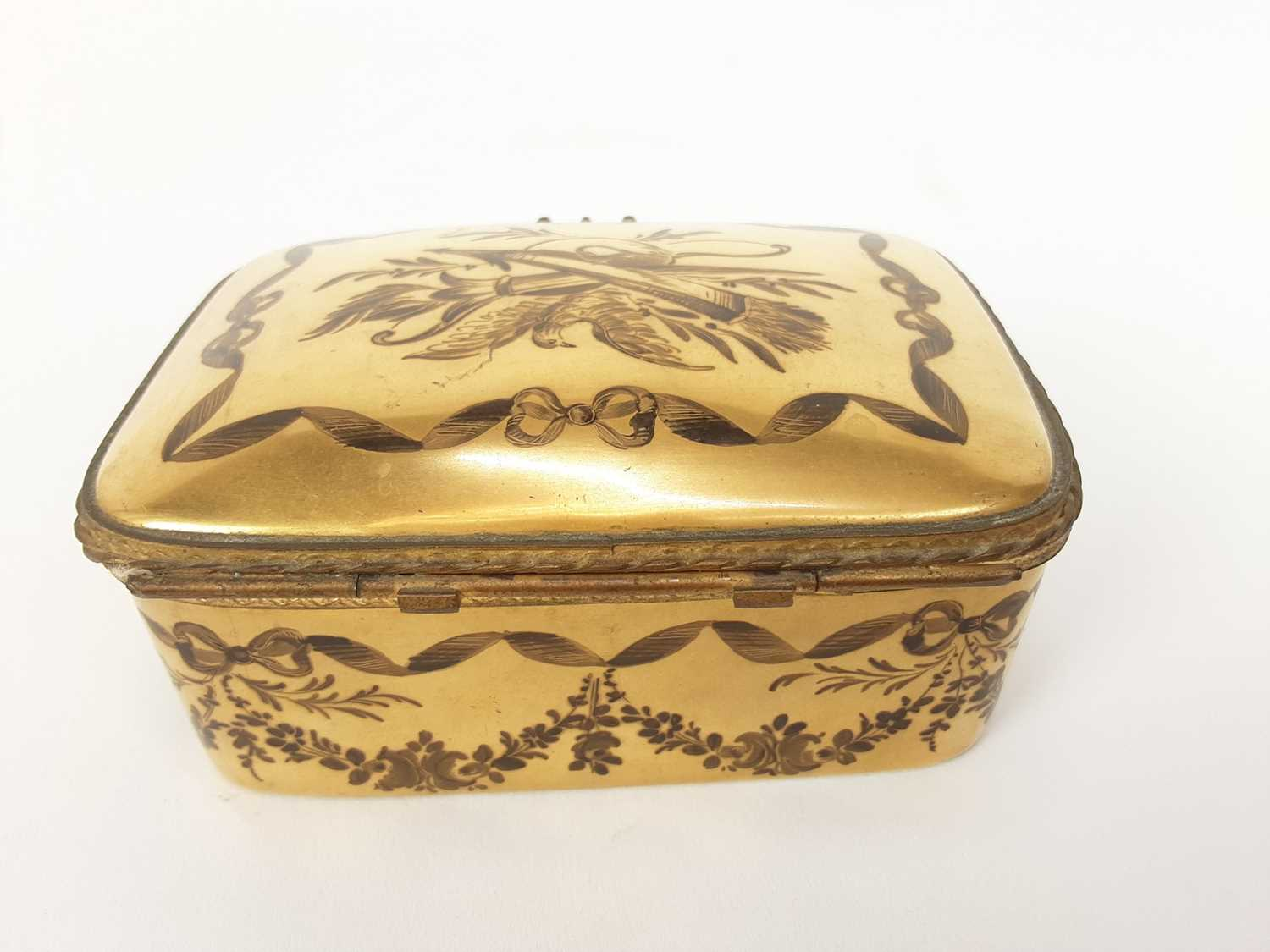 French ormolu-mounted porcelain box, late 19th century, probably Limoges, gilded and enamelled en gr - Image 3 of 7