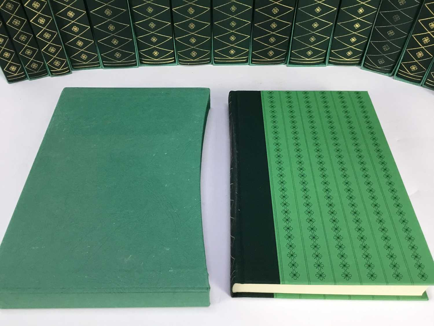 Collection of Charles Dickens books published by The Folio Society, in green slip cases, together wi - Image 2 of 11