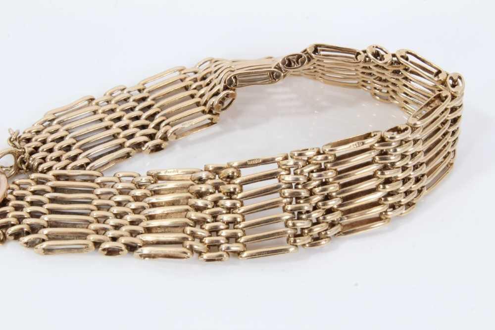 9ct gold gate bracelet - Image 2 of 3