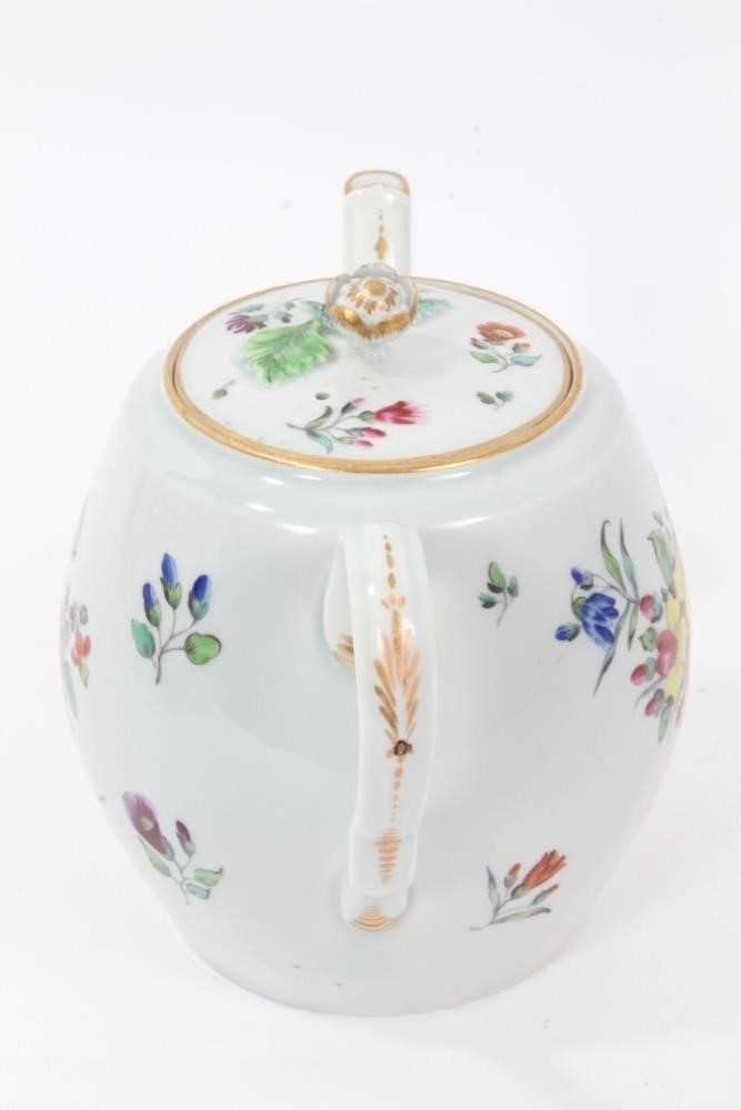 Worcester barrel shaped teapot and cover, circa 1775-80 - Image 4 of 8