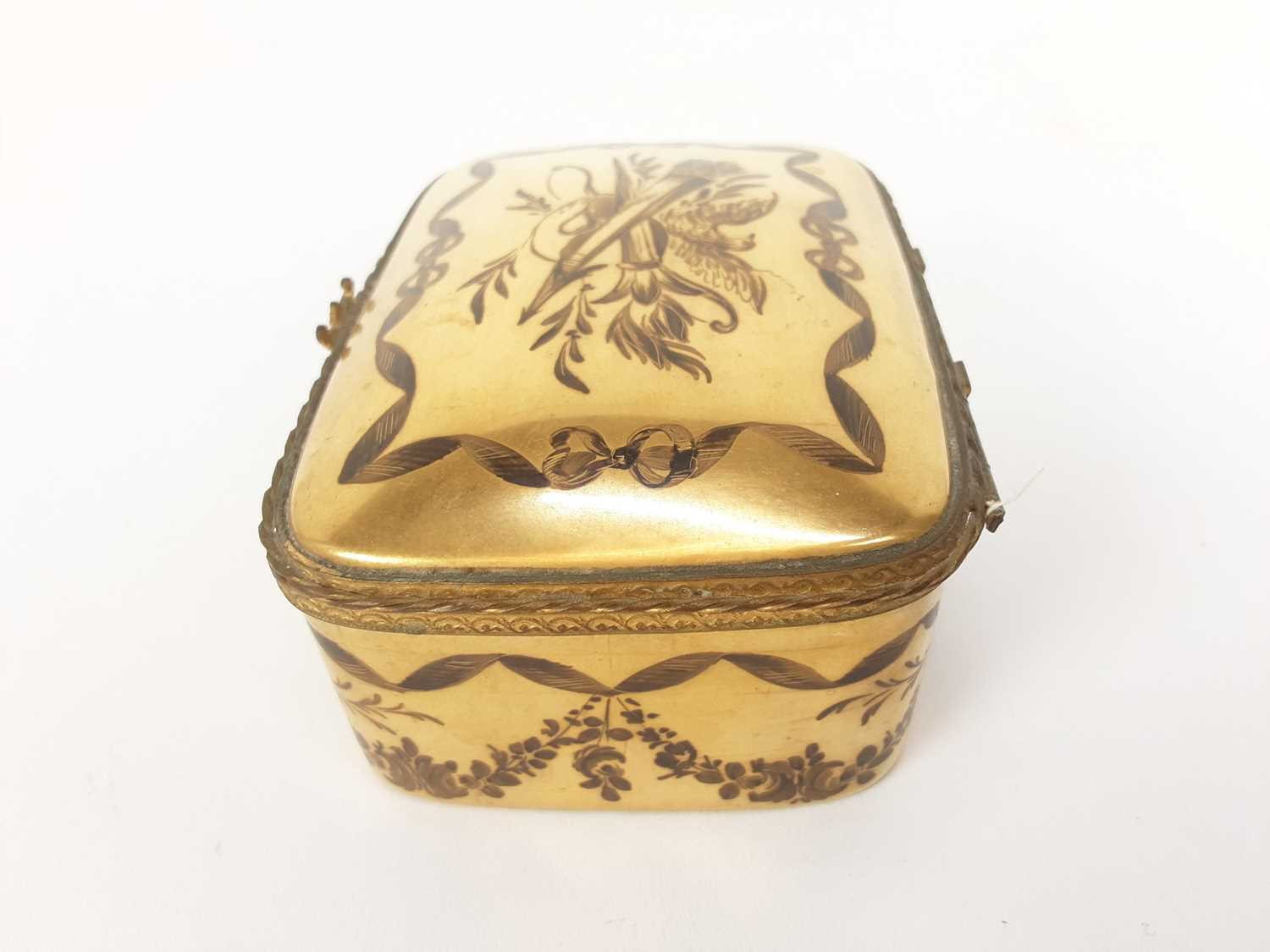 French ormolu-mounted porcelain box, late 19th century, probably Limoges, gilded and enamelled en gr - Image 2 of 7