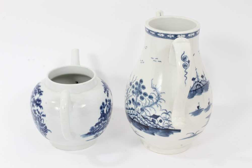 A Worcester Rock Strata Island pattern coffee pot, circa 1770, and a Worcester Plantation pattern te - Image 2 of 7