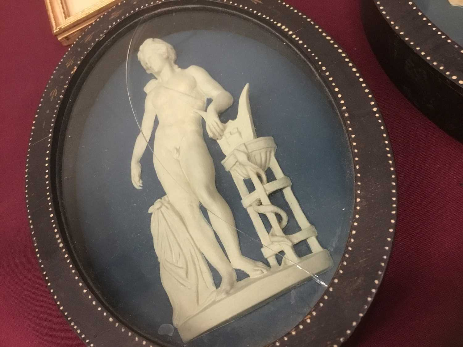 Pair of late 18th/early 19th century composition oval relief plaques depicting classical figures, in - Image 2 of 11