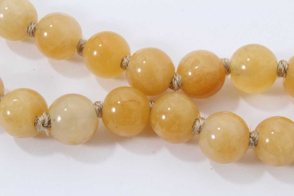 Jade bead necklace - Image 6 of 7