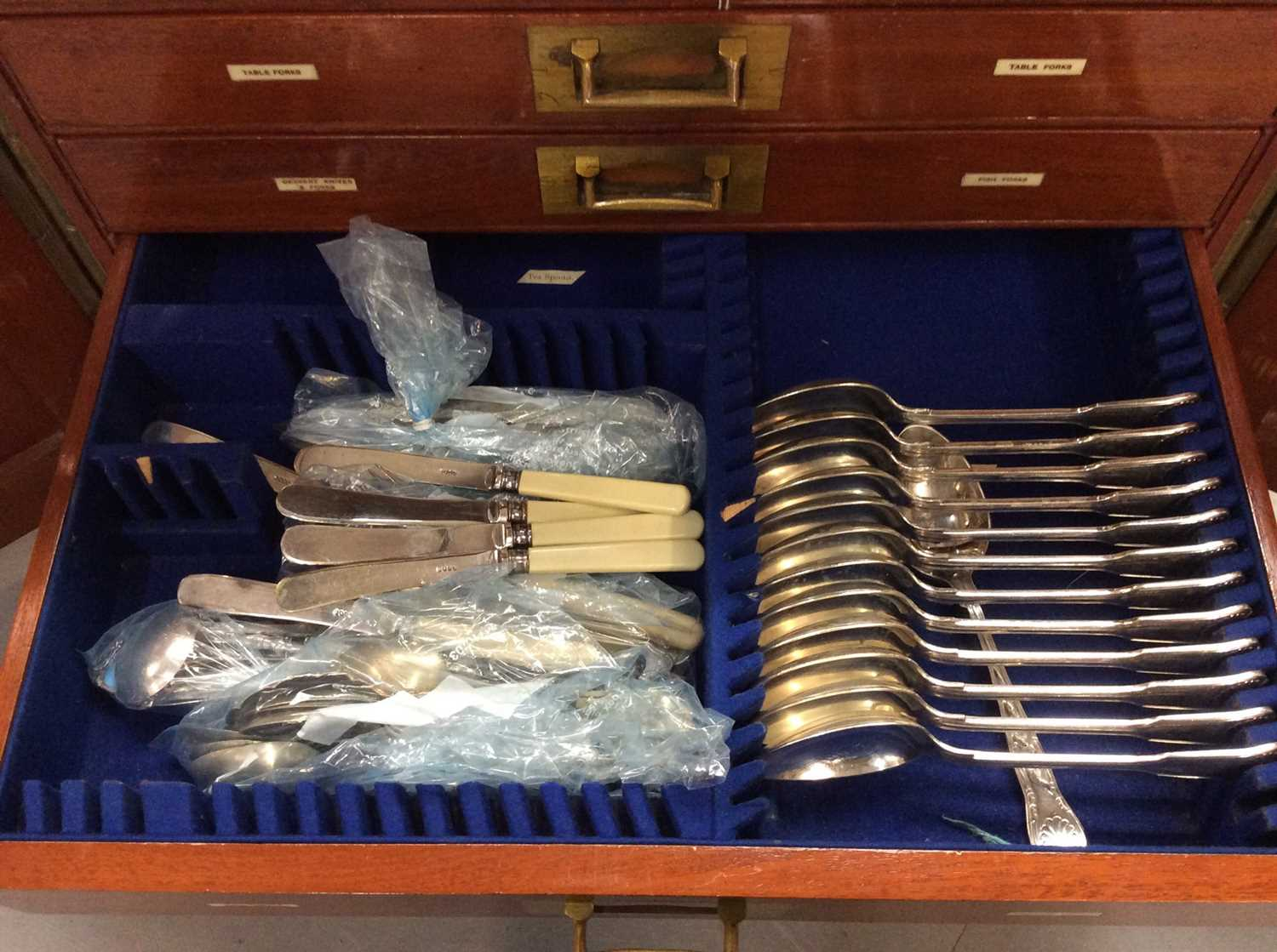 Mahogany six drawer cutlery canteen, containing a composite set of silver plated cutlery - Image 3 of 9