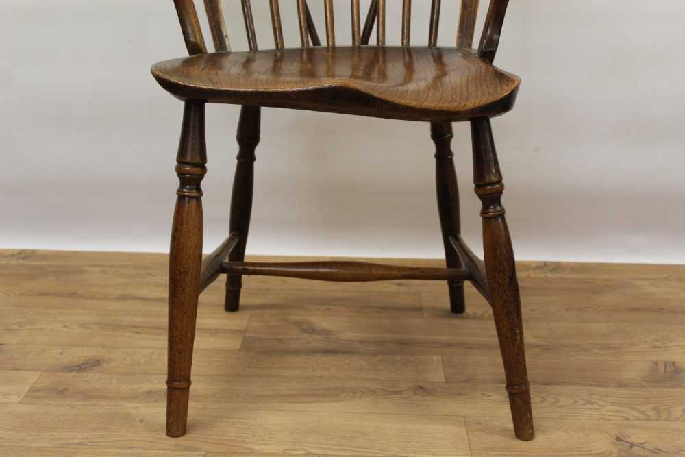 Mid 19th century elm and fruitwood stick back Windsor chair - Image 4 of 6