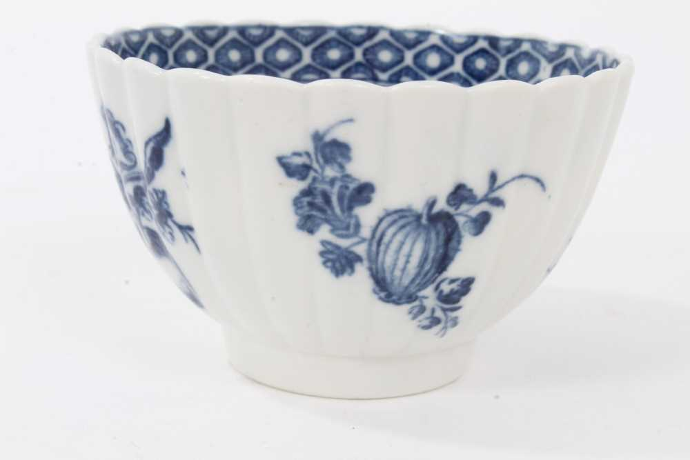 Caughley tea bowl and saucer, circa 1780, of fluted form, printed in blue with the 'Apple' pattern, - Image 6 of 8