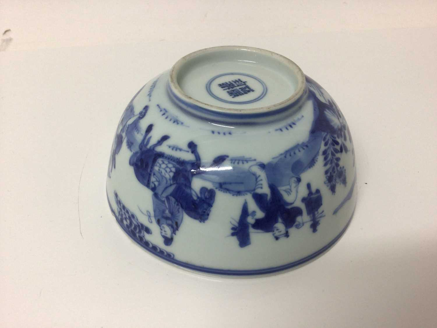 Chinese Kangxi porcelain jug and cover with later silver mount, together with a bowl (2) - Image 7 of 16