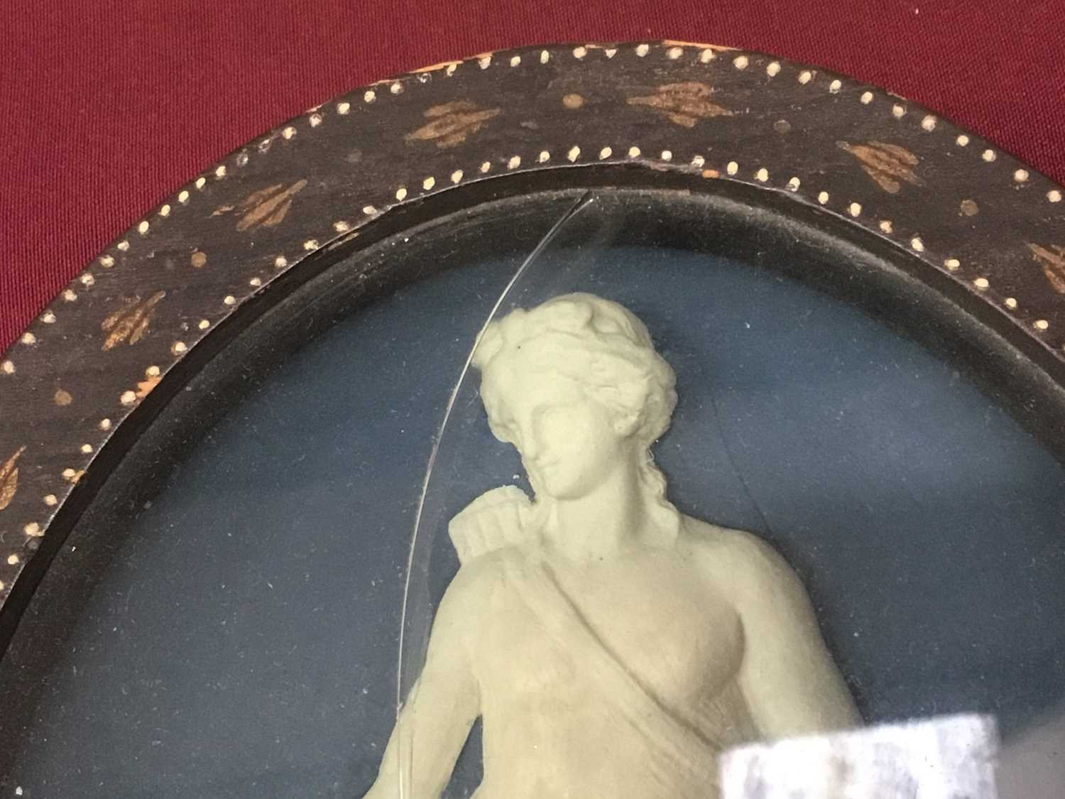 Pair of late 18th/early 19th century composition oval relief plaques depicting classical figures, in - Image 3 of 11