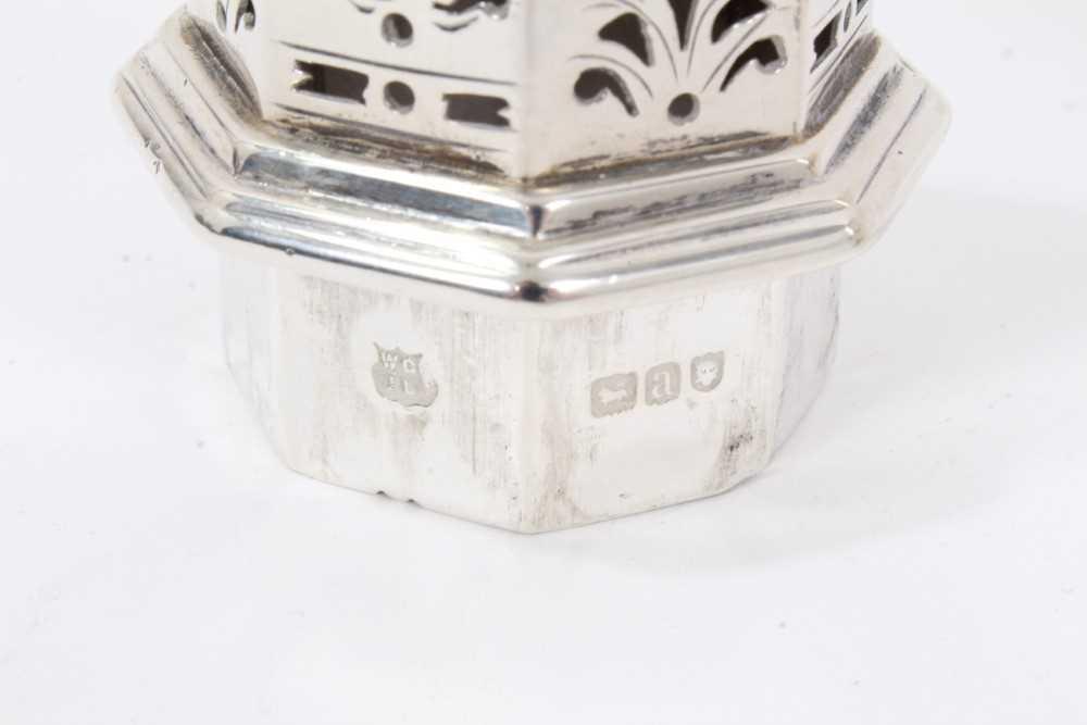 Four various silver castors - Image 4 of 16