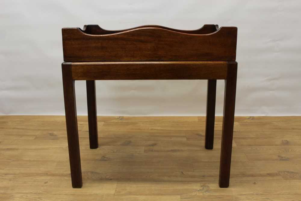 Mahogany butler's tray on stand - Image 4 of 5