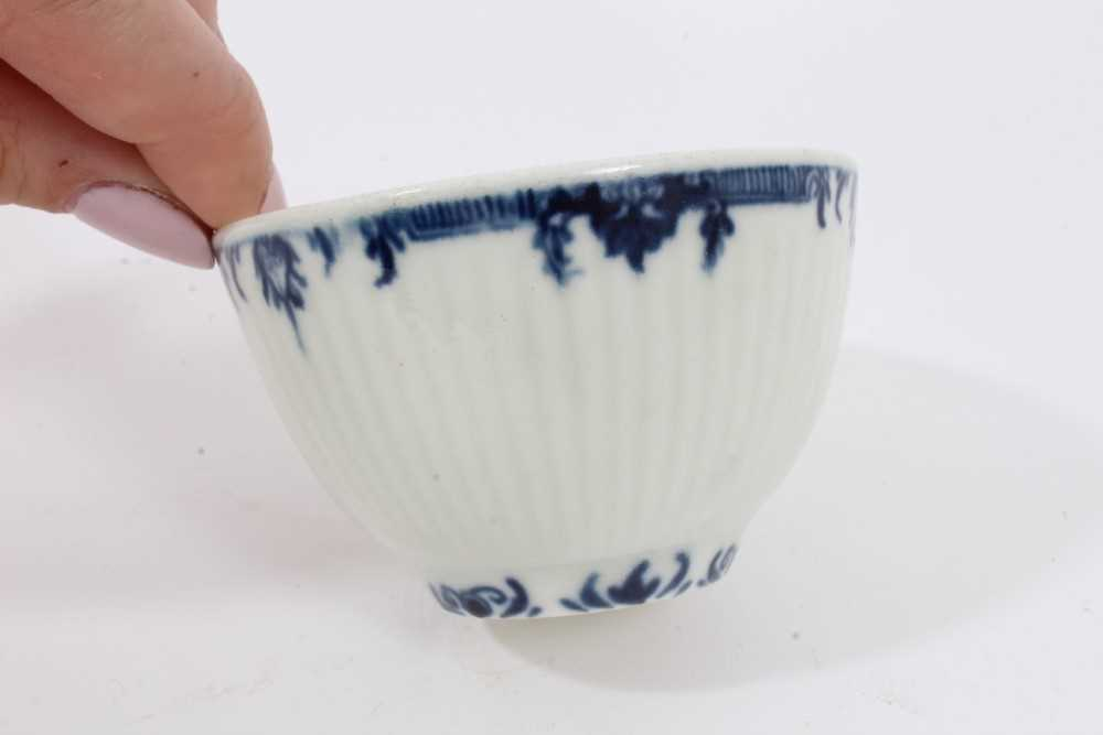 Worcester blue and white fluted tea bowl and saucer, circa 1760, decorated with patterned borders, t - Image 4 of 5