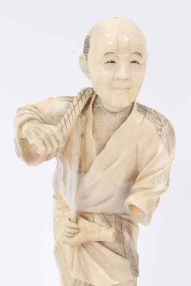 Fine quality late 19th / early 20th century Japanese carved ivory figure of a kneeling child, inset - Image 3 of 9