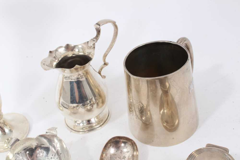 Group of miscellaneous silver items to include nurse's buckle, christening mug and other items - Image 3 of 8
