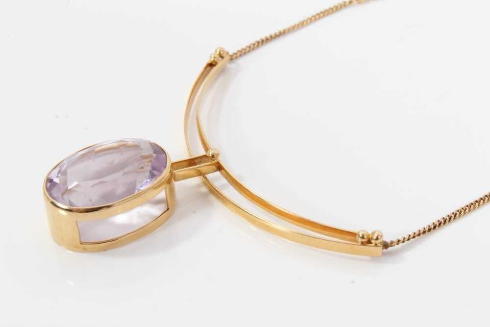 Amethyst and gold pendant necklace - Image 3 of 6